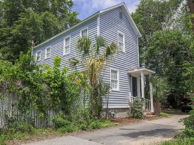 Photo for Pristine downtown Charleston home