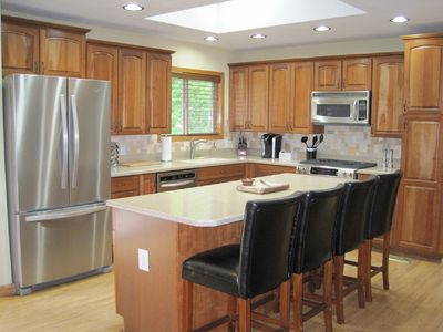 Full Country Club Amenities, A/C, 4 Bedrooms, 2200 SF, Garage, Deck & BBQ
