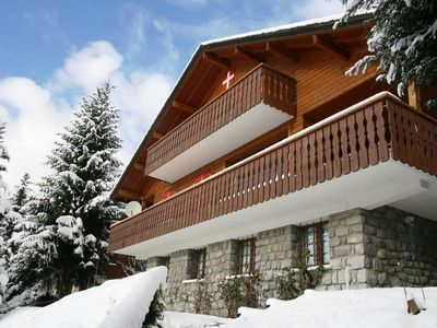 Photo for Luxury chalet with sauna, near the center and the ski lifts.