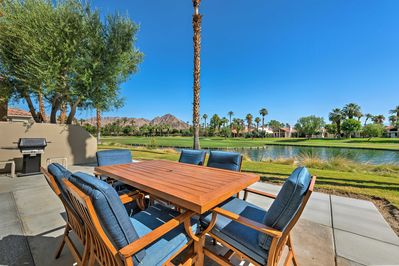 Experience the luxury of La Quinta from this beautiful mountain view home.