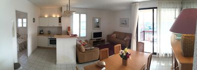 Pano of lounge