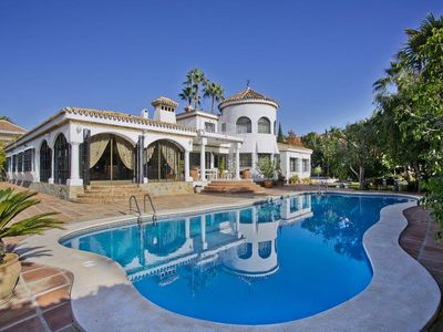 Photo for Amazing Villa 7 bedrooms with capacity 16 guests, big pool, near the famous Banus
