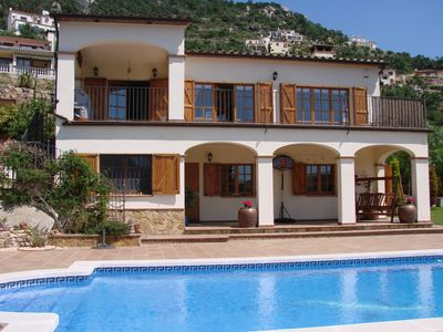 Photo for Large Villa with Heated pool 2km from beach suitable for families and groups