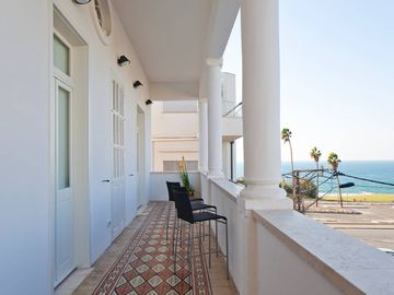 Renovated authentic apartment, steps from the nicest beach in Tel Aviv