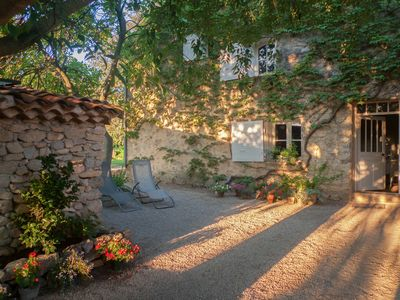 Photo for Romantic stay, in an old farmhouse classified site in the Aix countryside