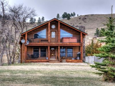 Custom 3 bedroom log cabin located near Sturgis South Dakota.