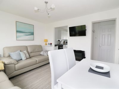 Photo for Stylish Chalet Complex 5 min stroll to Scratby Beach / convenient for the Broads