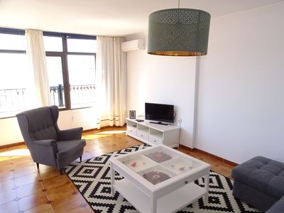 Air conditioned lounge with satellite TV