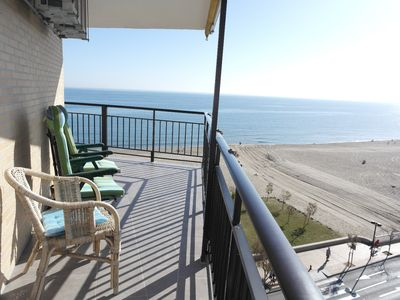 Photo for Fabulous beachfront apartment