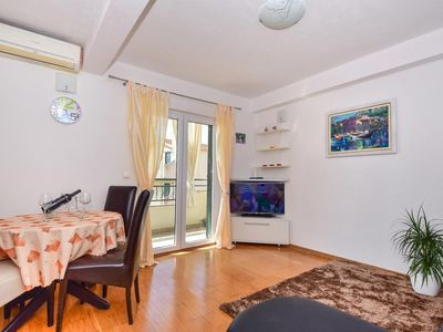 Photo for Two bedroom apartment with balcony and sea view Igrane (Makarska)