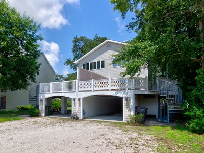 Photo for Family-friendly townhouse w/ a large deck - close to beaches & the state line