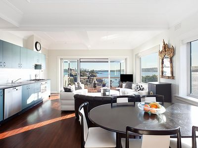 Photo for Art Deco apartment with breathtaking water views