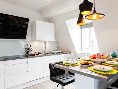 Photo for Lovely Oxford Circus 3 Beds 3Baths Apartment.