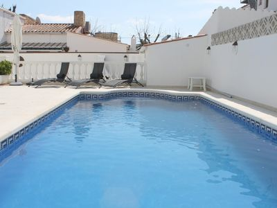 Photo for Villa with private pool, barbecue, garden, parking, 600m² PLOT