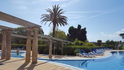 Photo for Exclusive residence ''Les parcs de Grimaud'' with pool, 300m from the beach