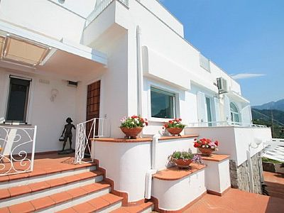Photo for 4 bedroom Villa, sleeps 9 in Amalfi with Pool, Air Con and WiFi