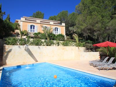Photo for Villa with beautiful panoramic views and pool near the beach
