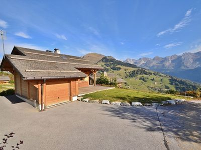 Photo for Spacious 5 bed chalet for up to 10 with wifi overlooking mountains!