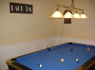 POOL TABLE - GAME ROOM