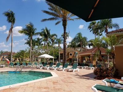 Photo for Private 1Bed, 1Bath Condo, Vaulted Ceilings, Palm Trees