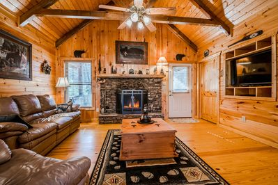 Comfy Cabin W 6 Brs New Hot Tub Fireplace Game Room Only 8