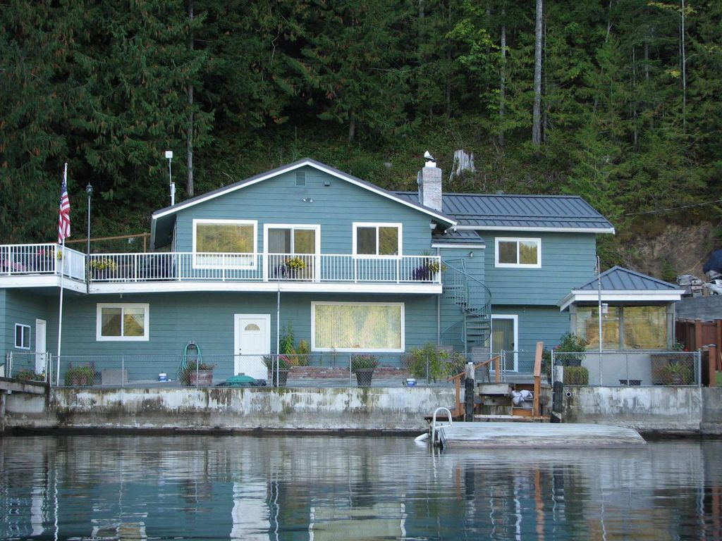 Lake crescent home in olympic national park joyce for Olympic homes