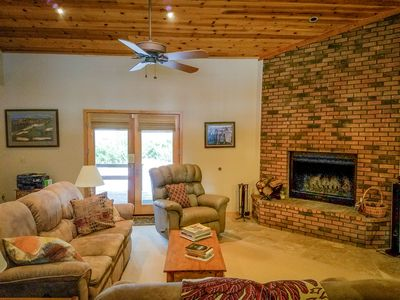 Immaculately maintained Flagstaff Mountain Golf Home