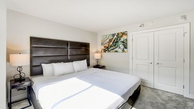 Photo for Exclusive One Bedroom Apartment Near GWU