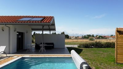 Photo for Villa with pool, near the forest 10 minutes from sandy beaches