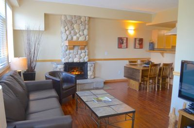 Sunset Resorts Canmore And Spa 2 Bedrooms 2 Bathrooms With Jacuzzi Canmore