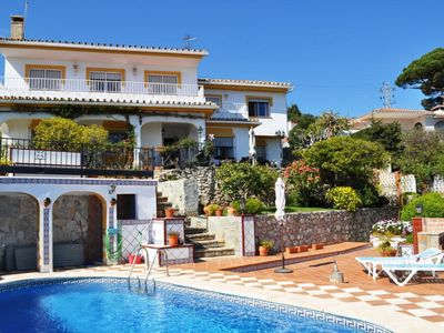 Photo for 5-Bed Spanish Villa/Pool/Gardens/WIFI - Benalmadena Pueblo. Centrally located.