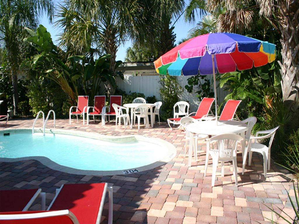 Coconut Cabana 2 1 Cottage 2 Pools On Clearwater Beach Sleeps 4 Clearwater Beach Florida