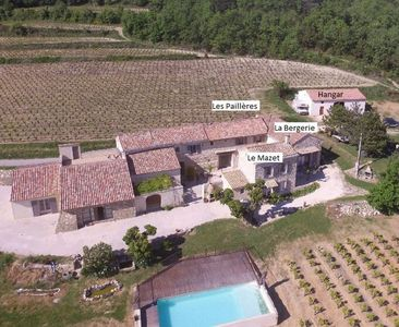Photo for Provencal farmhouse (3 independent houses) in a vineyard