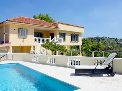 Photo for Detached villa with private pool and gardens + easy access by car into Valencia