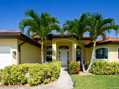 Photo for SW  Cape Coral | Gulf Access | Close to Shopping and Dining