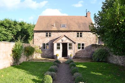 Hampton Wafre Cottage is a beautiful conversion of a 17th century detached barn