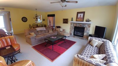 Photo for NORTHLAKE CAPTAIN'S QUARTERS has 3 bedrooms and 2 full baths to accommodate 6.