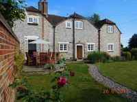 Beautiful cottage immaculate condition & well equipped. Warm & comfortable.Thoughtful, hosts.