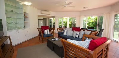 Beaches No 4 - Wongaling Beach - Sitting Area to Dining and Kitchen