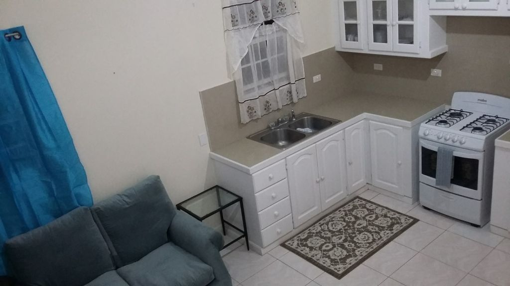 One Bedroom Apartment In Gibbons Boggs 1 Br Vacation