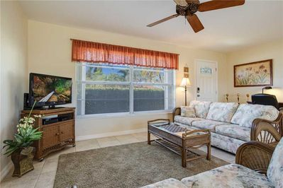 Welcome to Clearview Cottage - If you've been on the lookout for the perfect vacation rental, your search is over! Book this lovely place today to experience the vacation of a lifetime!
