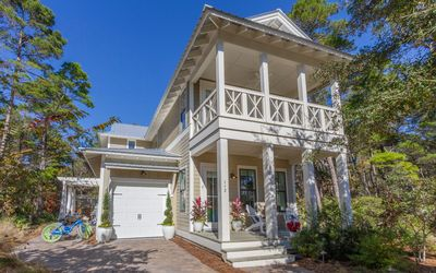 Photo for Beach Belle - 4 bed 3.5 bath Seagrove home community pool golf cart for 6!