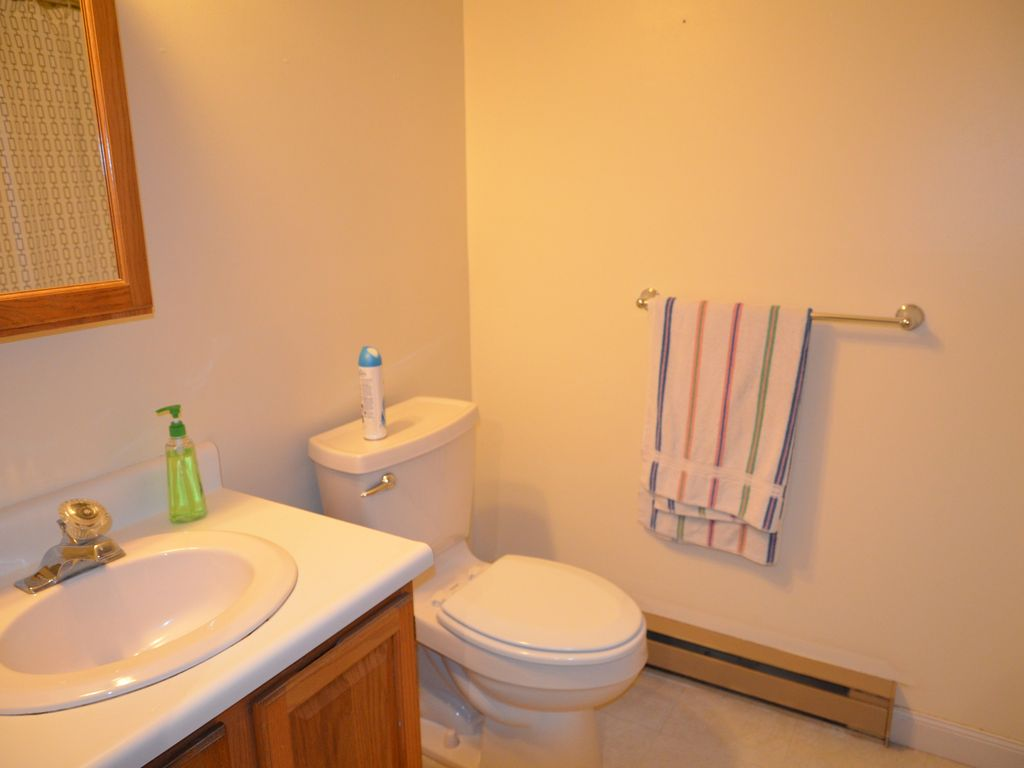 2 bedroom 1 5 bath townhouse on the saco river center for 5 bedroom townhouse