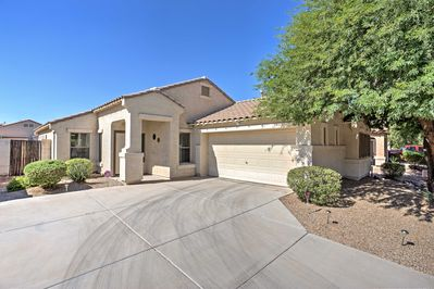 Relax at this 2-bedroom, 2-bathroom vacation rental house in Maricopa!