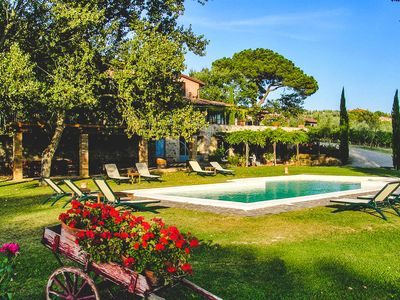 Photo for Renovated Tuscan Agriturism with Captivating View