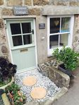 Quaint and bijou cottage, which was cosy and very close to the centre of St Ives and it's beaches.