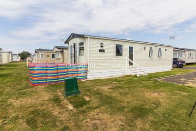 Beautiful mobile home with a gorgeous interior and modern design.