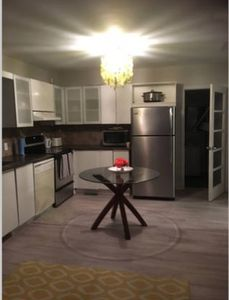 Photo for Conveniently located home 7 min from Ottawa