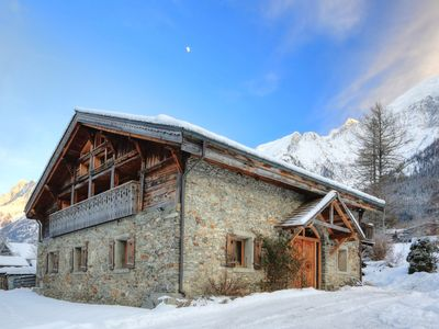 Photo for Luxury Chalet Jacuzzi with views Chamonix valley