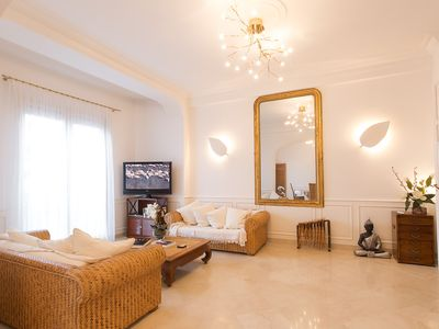 Photo for Superbe apartment in Belle Epoque property a few steps from the beach in Antibes